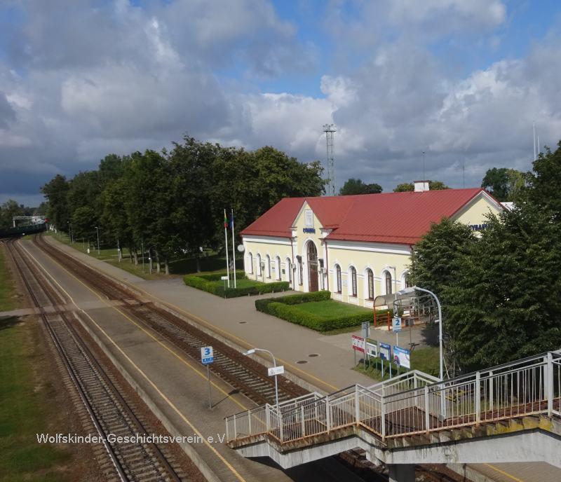 Kyrbatai Bahnhof Blick von dem Übergang
